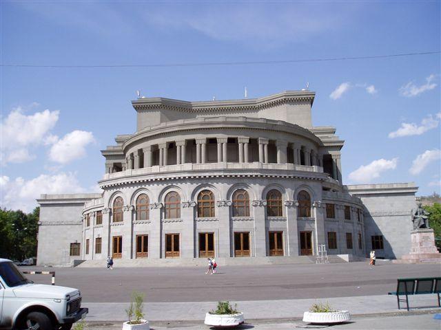 Armenia-yerevan-Opera-2005.jpg